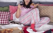 7 อาหารเสี่ยงต่อโรคกดไหลย้อน หากรับประทานในตอนกลางคืน!!
