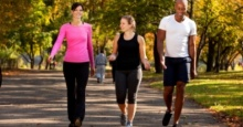 การไม่ออกกำลังกายเป็นสาเหตุให้ตายเร็วขึ้นเป็นสองเท่าเมื่อเทียบกับสาเหตุจากโรคอ้วน