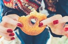 10 เรื่องดี๊ดีที่จะเกิดขึ้นถ้าเลิกกินของหวาน เพื่อสุขภาพที่ดี